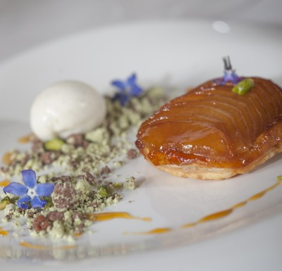 Noel-Mc-Meel-cooks-apple-tart-tatin-with-mac-ivors-cider