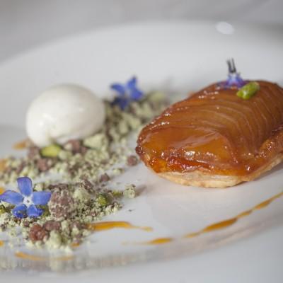Noel-Mc-Meel-cooks-apple-tart-tatin-with-mac-ivors-cider