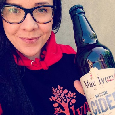 Off to JJ Harlow's Sarah McNally and our great tasting Mac Ivors Cider Co Medium Cider